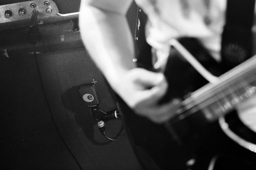 Drei Tipps fürs e 906 von Sennheiser, das Gitarrenmikrofon für alle Stile