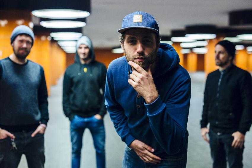Backstage PRO präsentiert Flonske und Woodship im Soundcheck-Magazin