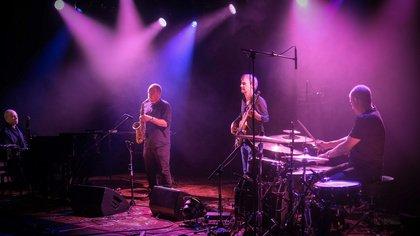 Gegensätzlich - Enjoy Jazz: So war die ECM Jazznight mit Vijay Iyer und Nik Bärtsch's Ronin in Mannheim