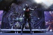 Live-Bilder von Amaranthe als Opener von Powerwolf in Ludwigsburg