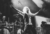 Fotos von Kissin' Dynamite live als Vorgruppe von Powerwolf in Ludwigsburg