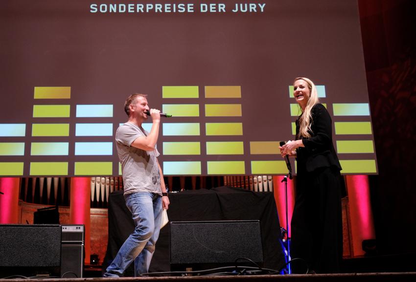 """Janina Klabes im Gespräch mit """"Eine Million gegen Rechts!"""""""