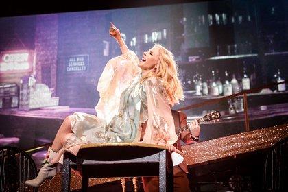 Tolle Show mit kleinem Schönheitsfehler - Kylie Minogue live in Frankfurt: Disco-Queen mit Country-Pop und Rock