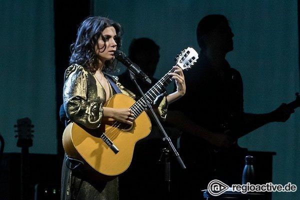 Internationaler Touch - Katie Melua erwärmt in Mannheim die Herzen der Zuschauer