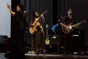 Georgisch: Bilder von Katie Melua mit dem Gori Women's Choir live in Mannheim