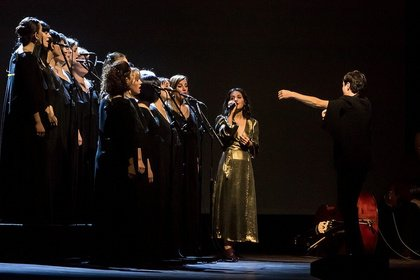 Untrennbar - Georgisch: Bilder von Katie Melua mit dem Gori Women's Choir live in Mannheim