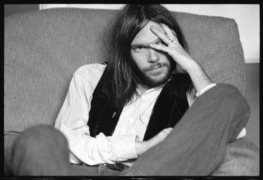 Neil Young zählt du den besten Akustik-Liveperformern der Musikgeschichte.