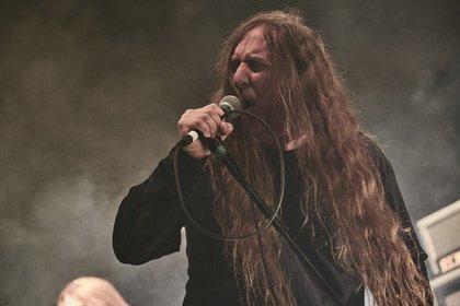 Veteranen - Bilder von Obituary als Vorgruppe von Slayer live in Freiburg