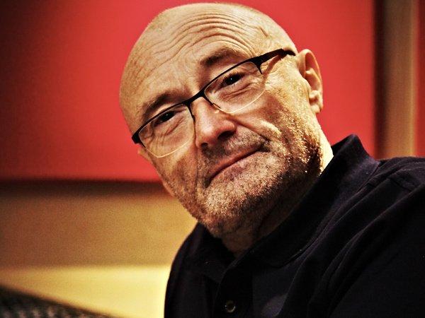 Angeschlagen - Nach Sturz auf der Bühne: Wachsende Sorge um Phil Collins