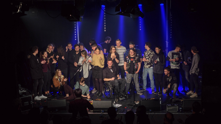 Gruppenfoto beim Bandsupport Abschlusskonzert 2018