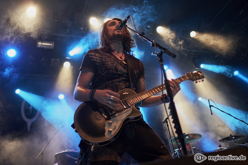 Oversense (live in Frankfurt 2018)