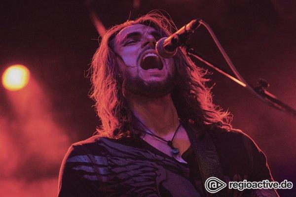 Power Metal aus Franken - Oversense: Fotos des Supports von Doro live in Frankfurt