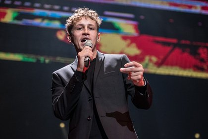 Freiwillige gesucht - Tim Bendzko gibt im Rahmen einer Corona-Studie Konzert in Leipzig