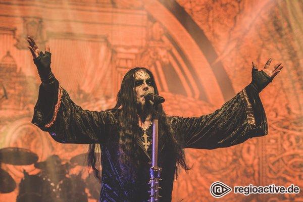 Düster und bombastisch - Fotos von Dimmu Borgir live bei der European Apocalypse Tour in Frankfurt