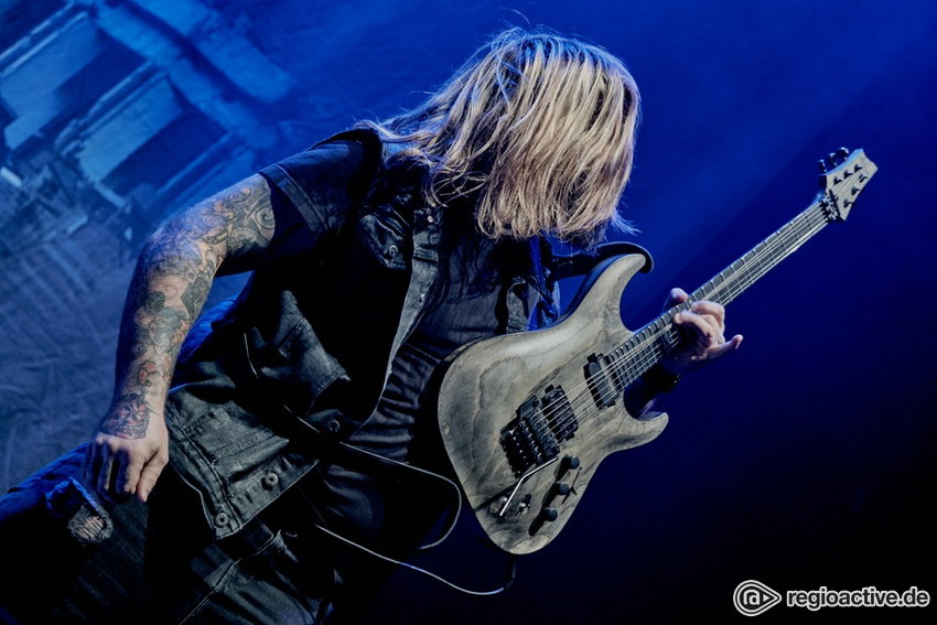 Beyond The Black (live in Frankfurt 2018)