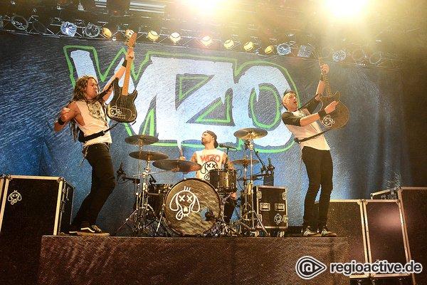 Voller Kraft - WIZO: Fotos der Punkband live in der halle02 in Heidelberg