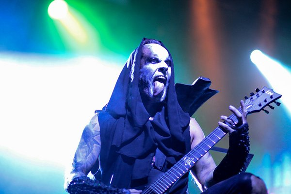 Bösartig as usual - Behemoth live in Frankfurt: Spektakuläre Show mit unaufregendem Soundtrack