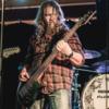 Bassist sucht Mitmusiker (voc, dr, g) für Rock/Metalprojekt