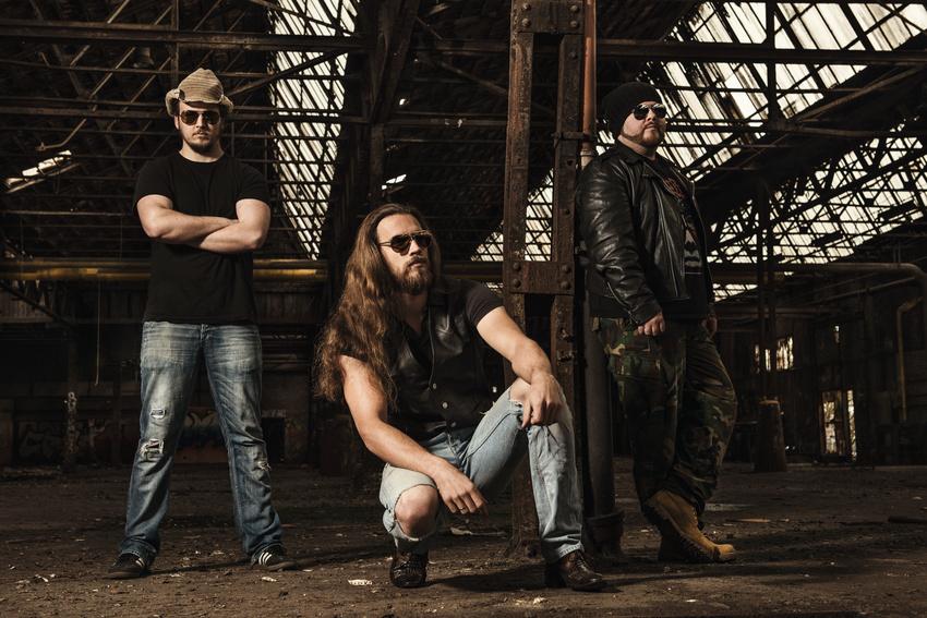 Backstage PRO präsentiert Drop of Rage und Wedge im Soundcheck-Magazin