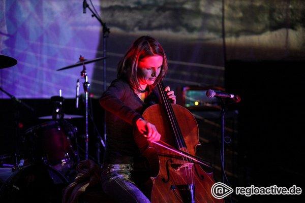 Sie spielt Cello - Klangmagie: Fotos von Regina Wilke beim 8. Mannheimer Winteraward