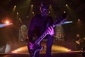 Blasphemisch: Bilder von Ghost live in der Schleyerhalle in Stuttgart