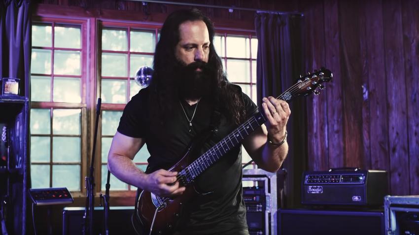 "Innovation & Perfektion: John Petrucci (Dream Theater) über seine neue Ernie Ball Music Man-Gitarre ""Majesty"""