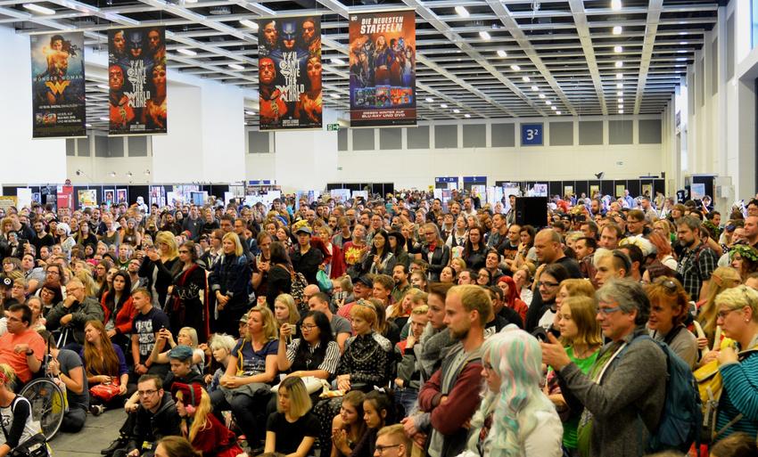 Fans an der Bühne bei der German Comic Con 2019