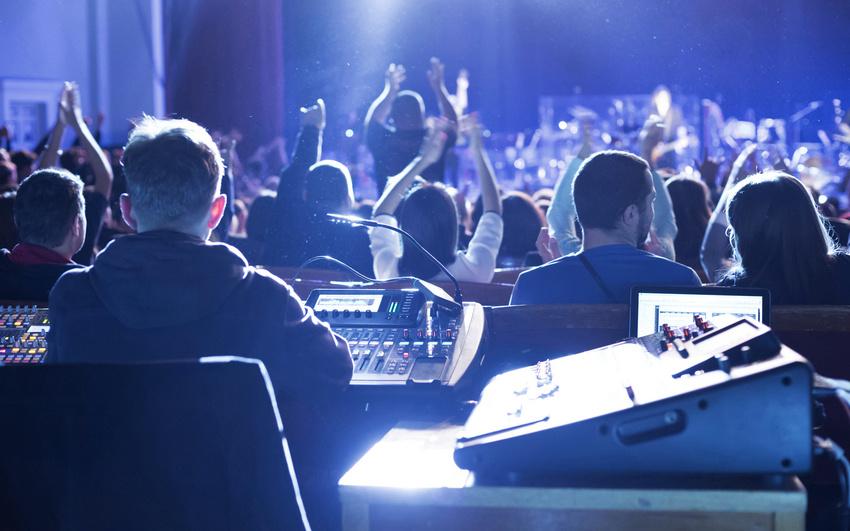 Live-Tontechniker vs. unerfahrene Band: Mit Geduld und Verständnis zum gelungenen Konzert