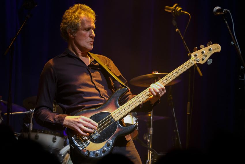 Viel Ausdauer - John Illsley: Ex-Dire Straits-Bassist geht 2019 auf Tour durch Deutschland