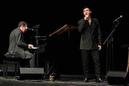 Pop-Größen - Jools Holland & Marc Almond: Fotos des Konzerts im Capitol Mannheim