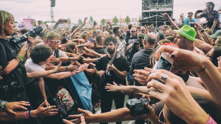 Der vergängliche Ruhm großer Bühnen: Was bei Major-Festivals wirklich abgeht