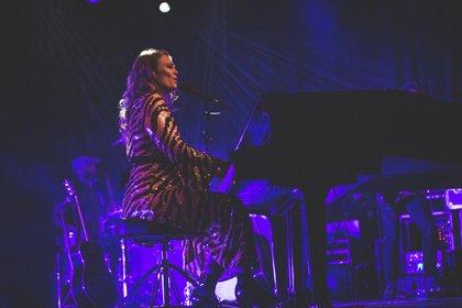 live in concert - Stimmgewaltig: Fotos von Freya Ridings live in der Batschkapp Frankfurt
