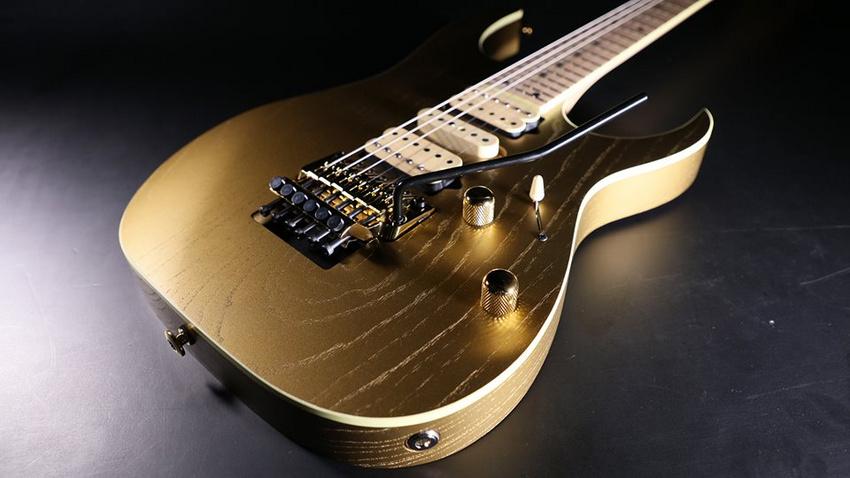 RG657AHM-GDF