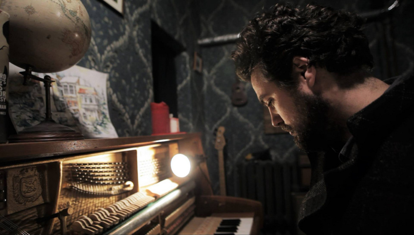 Für Cameron Laing von The Famous Gold Watch – AudioVisual Studios geht Musik vor Musikbusiness