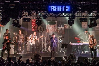 Mächtig - Politik, Rausch und Liebe: The Specials zünden in Hamburg ein Feuerwerk