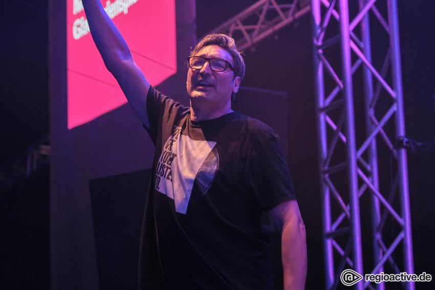 Mousse T. & Glasperlenspiel (live beim Musikmesse Festival Frankfurt 2019)