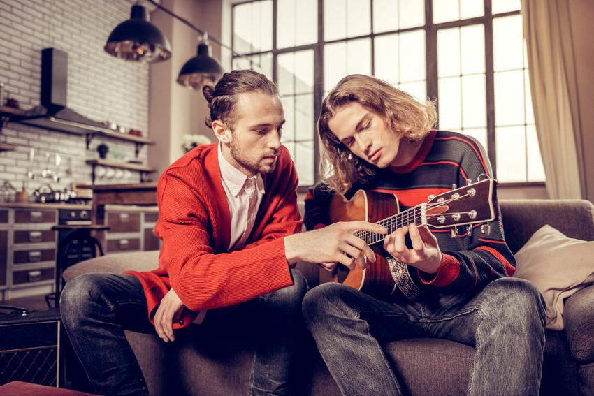 Musikunterricht: Die verschiedenen Berufswege, Verdienstmöglichkeiten, Arbeitszeiten, Chancen und Probleme