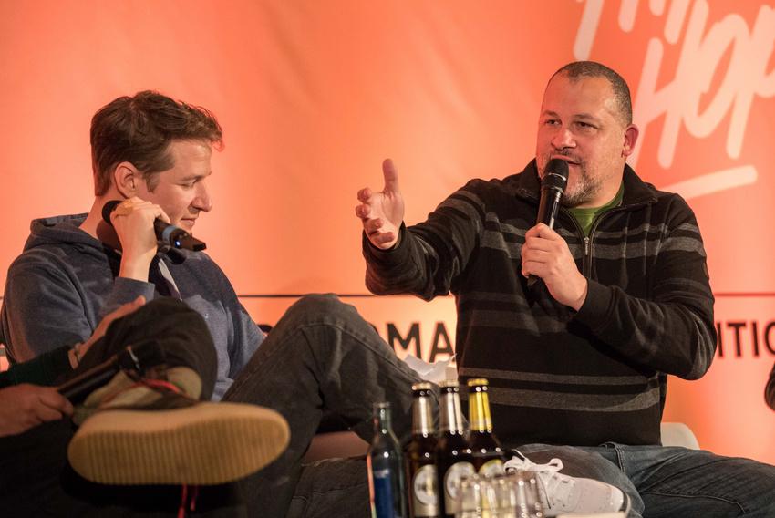 Der Heidelberger Rap-Pionier Torch im Gespräch mit Falk Schacht bei dem von ihm gemeinsam mit Andreas Margara konzipierten Hip-Hop Symposium an der Popakademie Mannheim