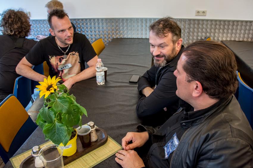 Backstage-Plausch die Zweite: Felix Bohnke mit unseren Gewinnern