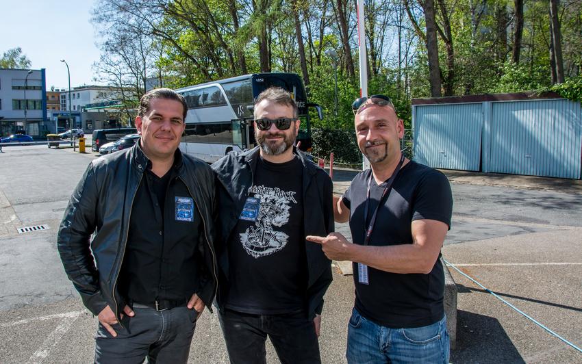 Oliver Hartmann und Felix Bohnke von Avantasia sorgen beim VIP-Tag für begeisterte Gewinner