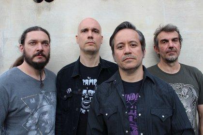 Verwechslungsgefahr - Tool geben die französische Band Fiend als Opener bekannt