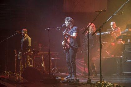 Alte und neue Stücke - Selling England: Live-Bilder von Steve Hackett im Haus Auensee in Leipzig