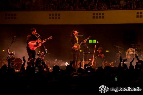 Von allen Seiten - Mittendrin: Fotos von Mumford & Sons live in der Festhalle Frankfurt