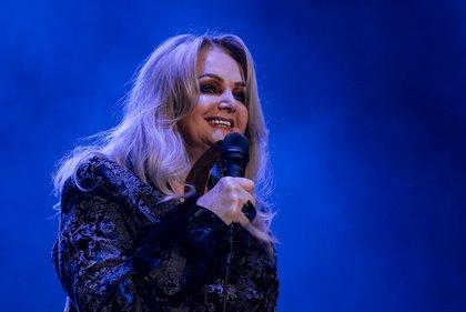 Berühmte Reibeisenstimme - Rockröhre: Bilder von Bonnie Tyler live in der Karlsruher Schwarzwaldhalle