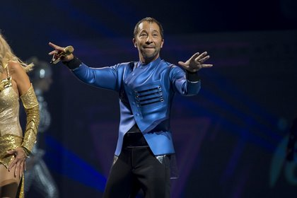 Viele Ebenen - Kunterbunt: Live-Bilder von DJ BoBo in der SAP Arena Mannheim