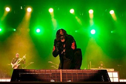 Nicht filterlos - Neue Facebook-Filter von Slipknot und Guns N' Roses