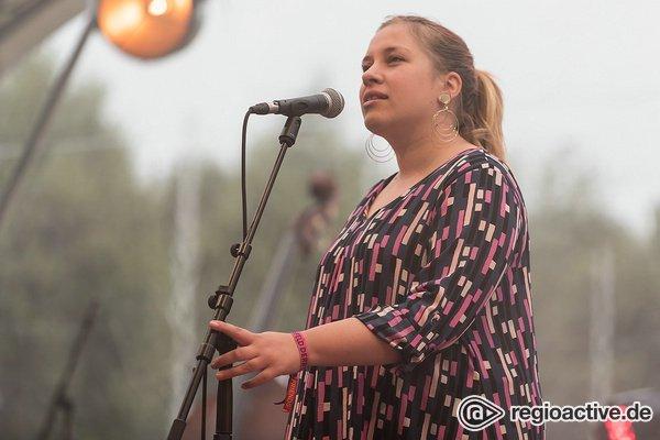 Opener im Reitstadion - Indie-Folk: Fotos von The Green Apple Sea live beim Maifeld Derby 2019