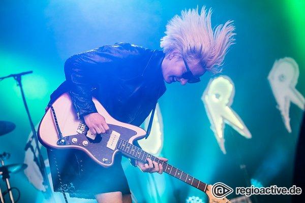 Wilde Gurrls - Berliner Rock: Fotos von Gurr live beim Maifeld Derby 2019