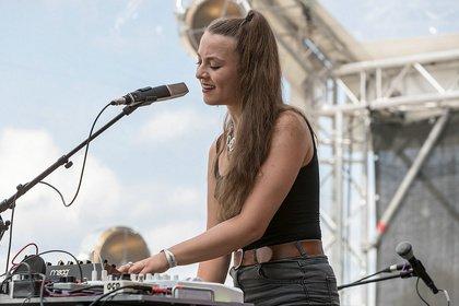Gefühlvoll - Lisa Morgenstern: Live-Bilder der Sängerin beim Maifeld Derby 2019