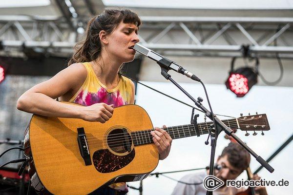 Atmosphärisch - Black Sea Dahu: Fotos der Folkband live beim Maifeld Derby 2019